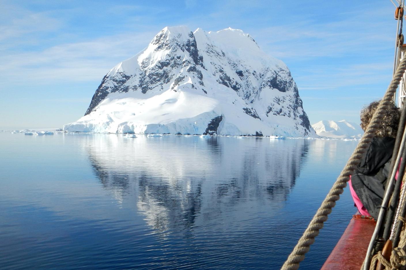 アイキャッチ画像:デザインのためのインプットと氷山の水面下の話